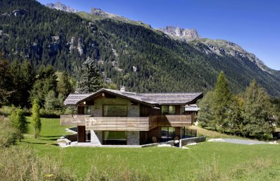 alps hiking luxury summer chalets alpine activity holidays