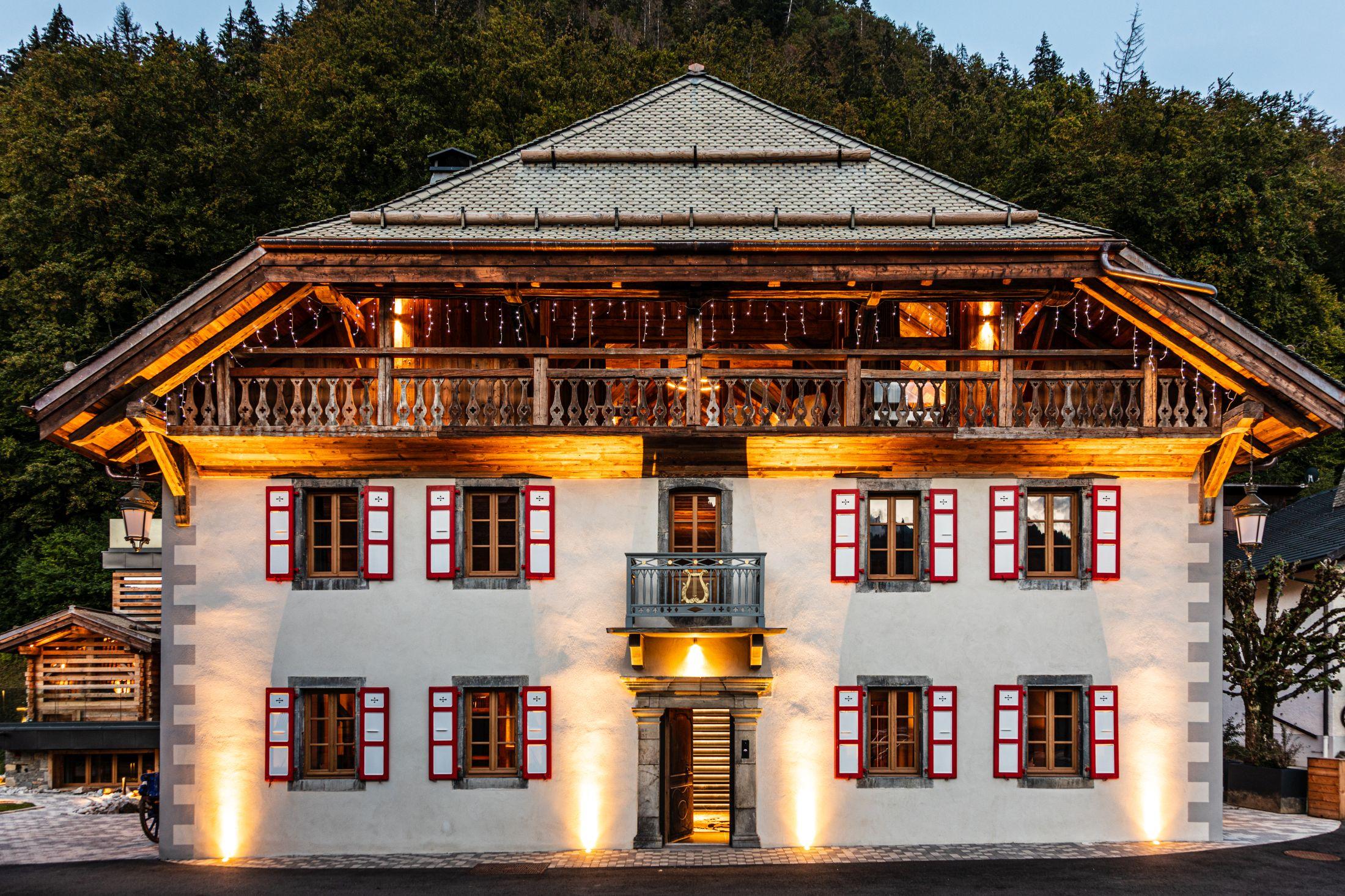 luxury summer chalet Morzine, luxury chalet holiday Morzine, ultimate luxury summer chalets, best summer chalets in the Alps