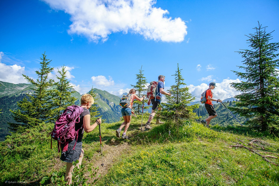 social distanced walk, summer in the Alps, hiking in the Alps, hiking in Morzine