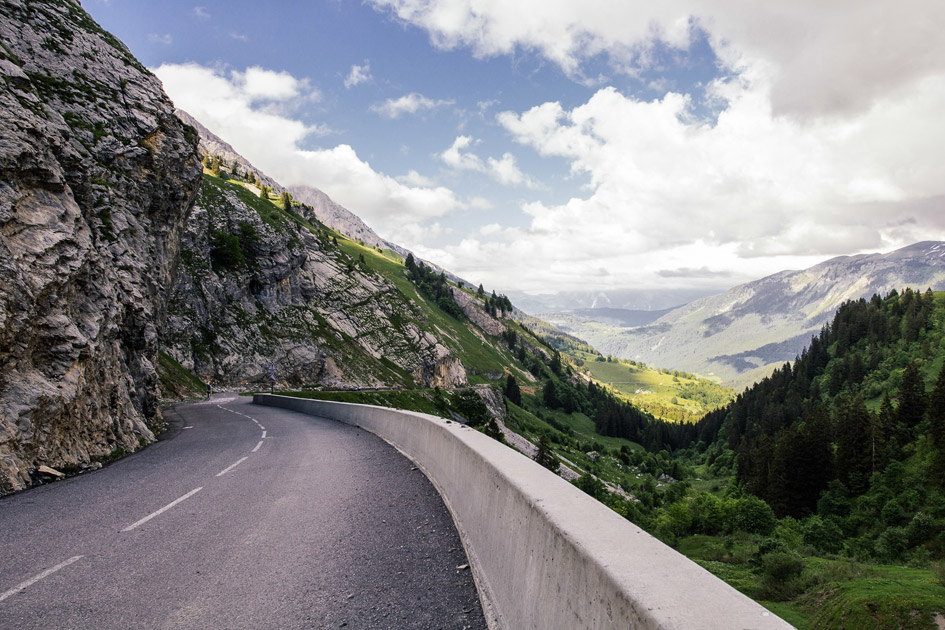driving to the Alps, drive to the Alps, travelling to the Alps by car