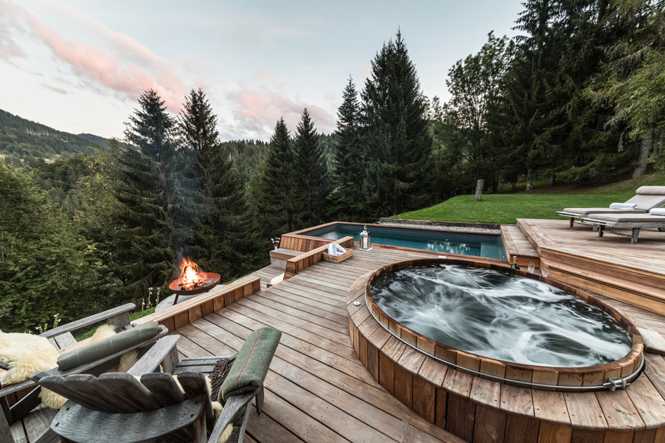 Les Gets, chalets in the alps with hot tubs, mountain view hot tubs, chalets with hot tubs
