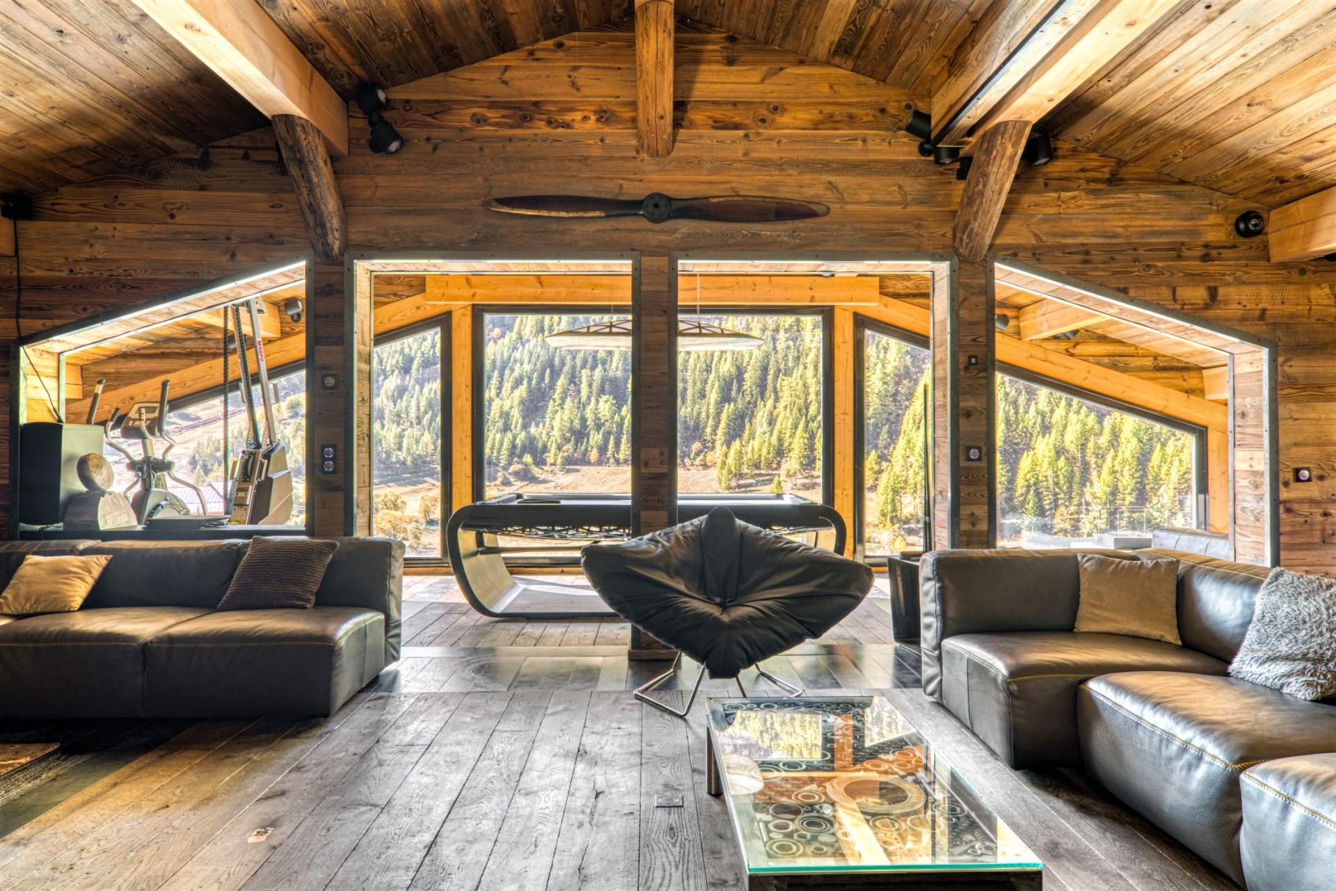 Chalet Quezac, Tignes in summer, summer holiday in Tignes, mountain view, summer skiing