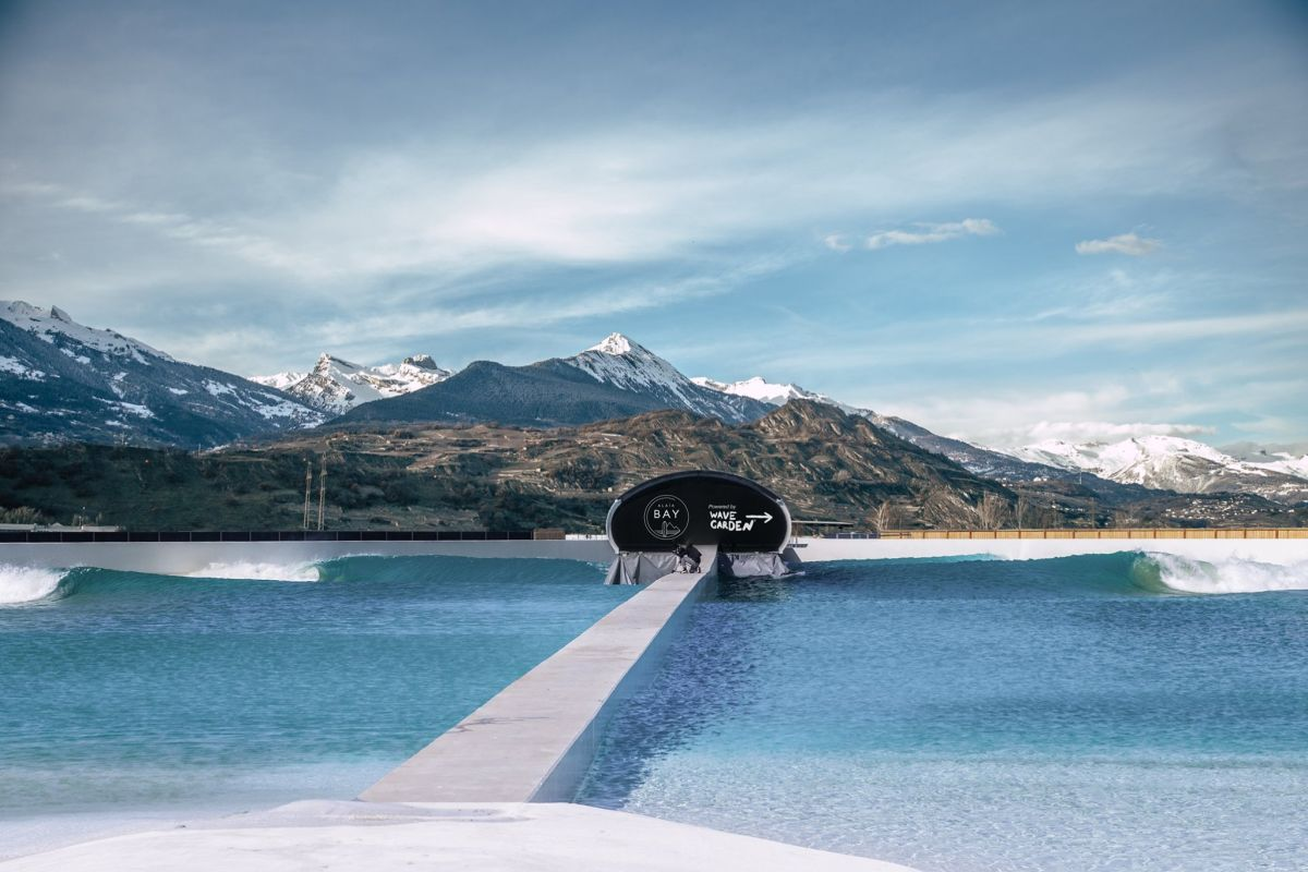 surf in the alps, surfing in the Alps, wave garden in the Alps, surf in Switzerland