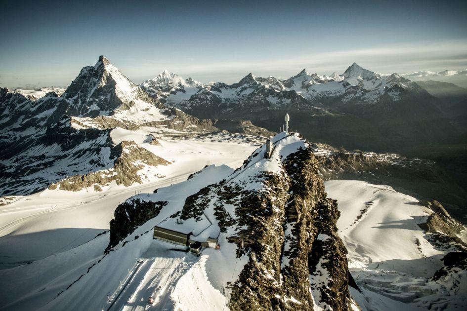 skiing in summer, summer skiing in Zermatt, Zermatt summer skiing, glacier skiing in Zermatt