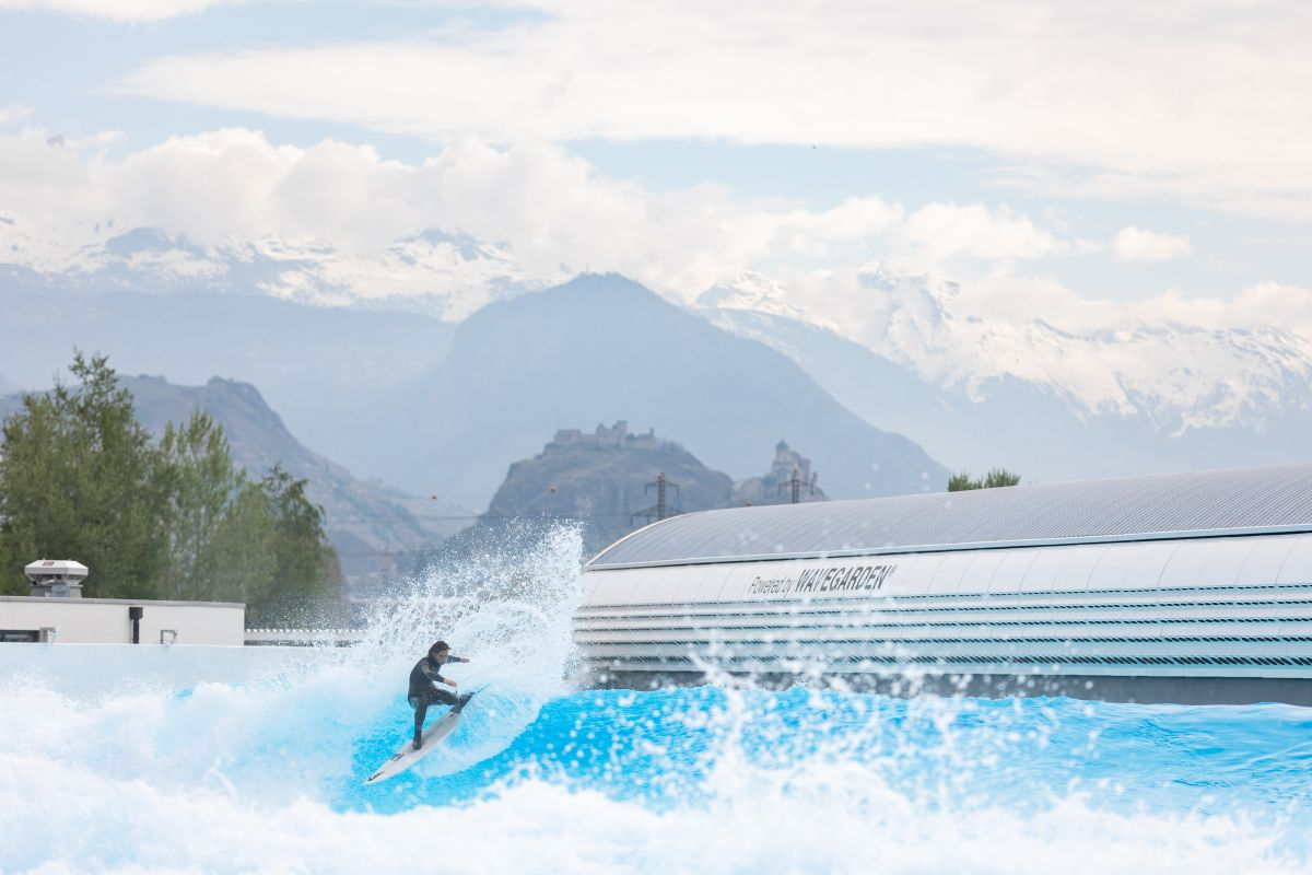 surf in Switzerland, Alaia Bay, Sion surfing, summer holiday in Switzerland